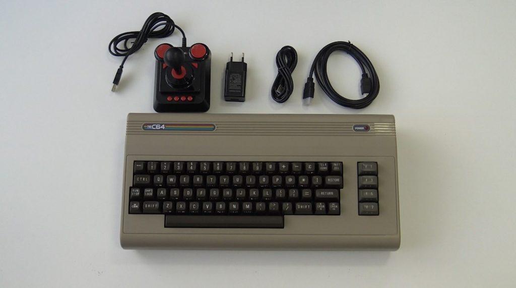The C64 Maxi, unboxing con todo el contenido de la caja.